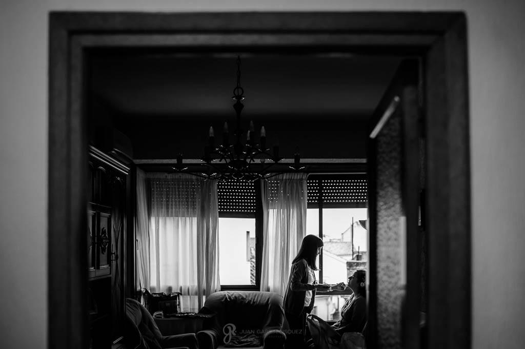 fotos en casa de la novia de boda civil en Ubeda