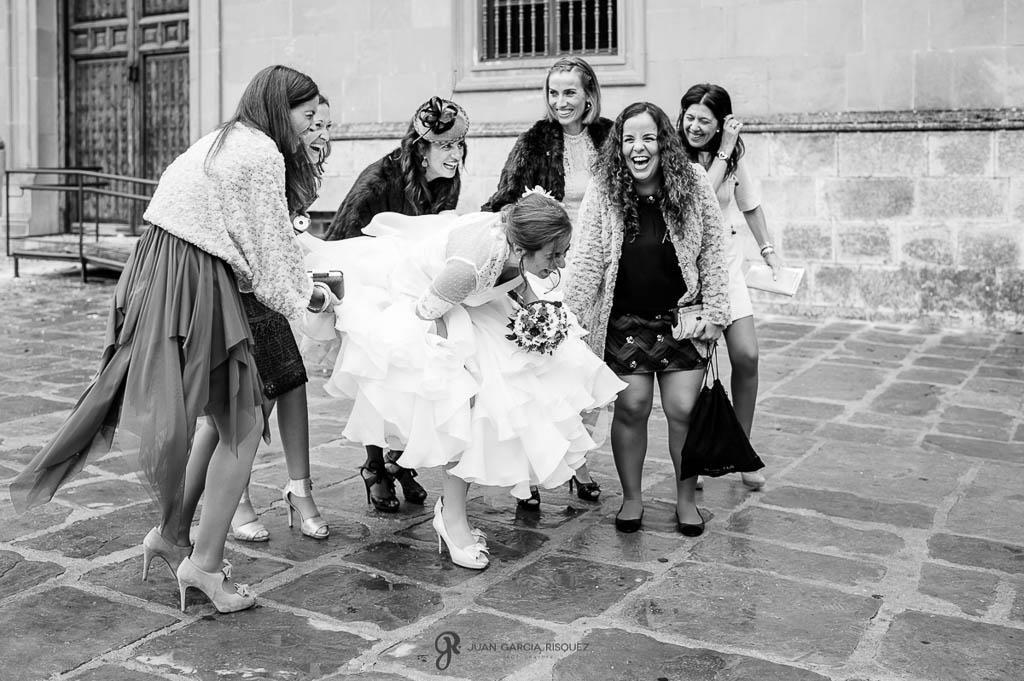 fotos de las amigas de la novia en boda en Palacio de los Medinilla