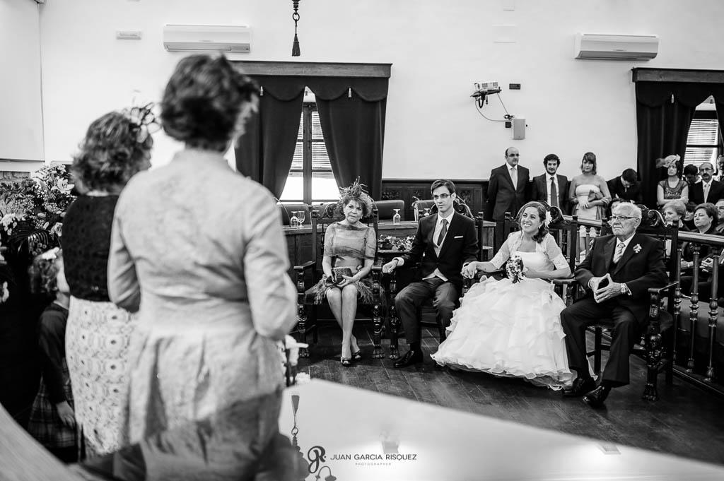 fotos de lecturas de ceremonia de boda civil en Palacio de los Medinilla