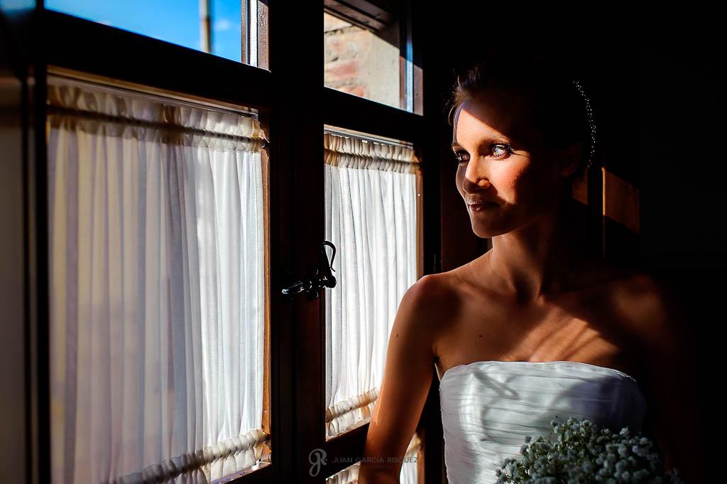 reportaje de boda con estilo en Finca Casa de Oficios Madrid
