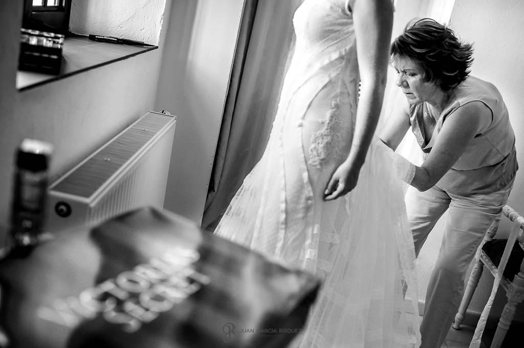 fotos de vestido de la novia de de boda vintage en Carmona Sevilla