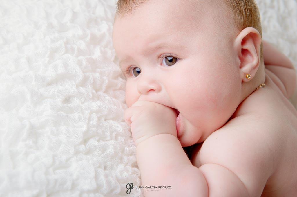 reportaje de fotos de estudio en Jaen para bebés y niños