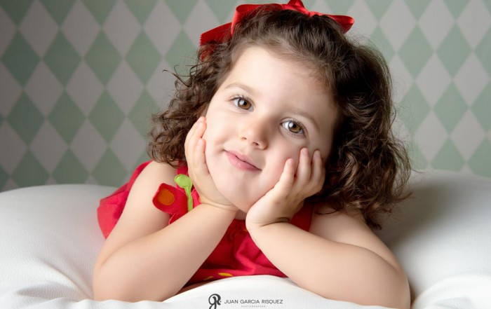 fotografías entrañables de niños en estudio de fotos