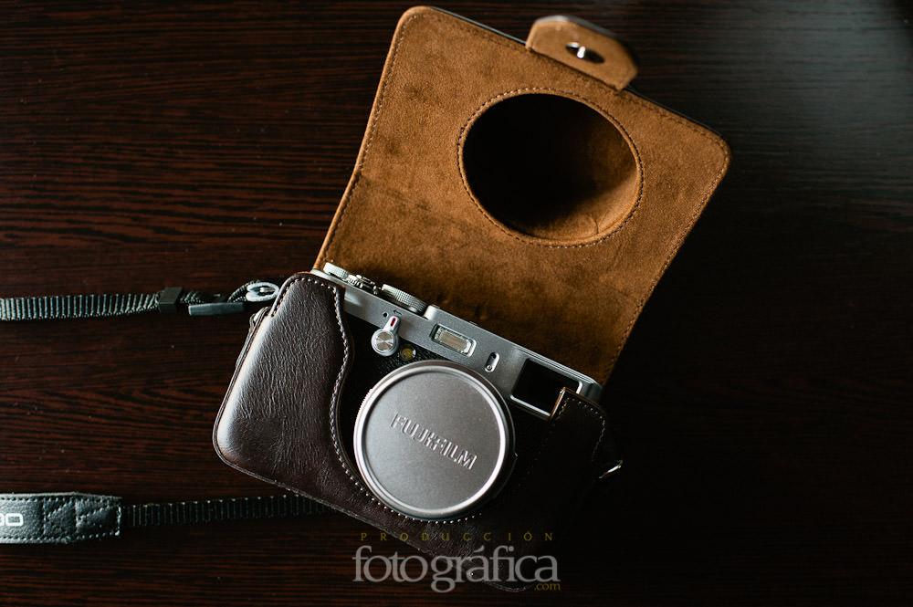 Fotografía detalle de la funda para la camara Fuji X100 para fotógrafos
