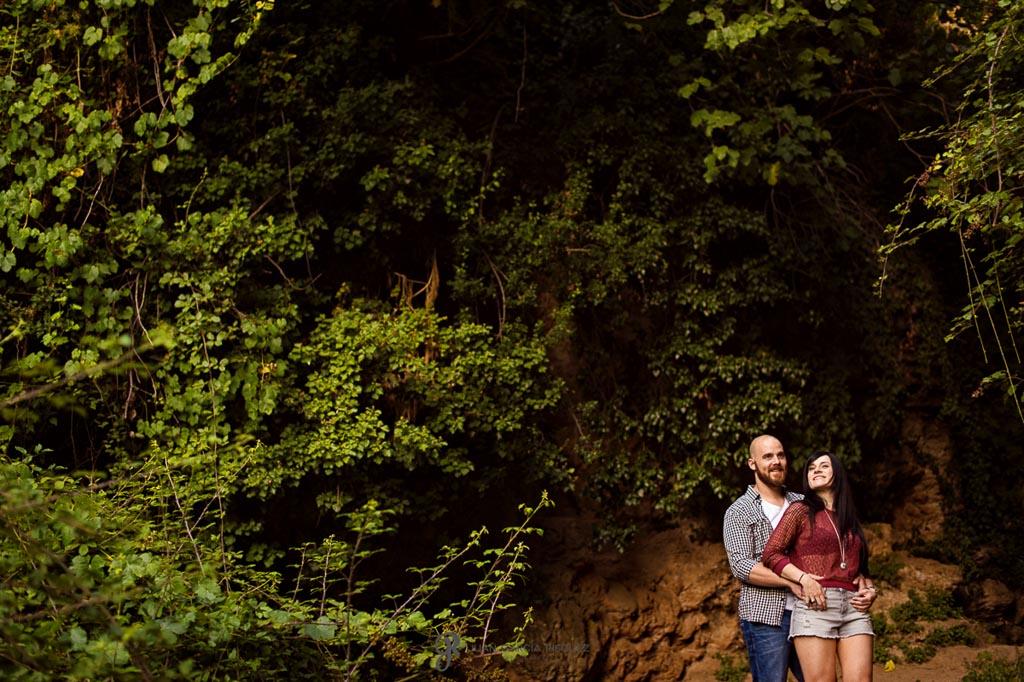 reportaje de fotos para preboda en Valdepeñas al aire libre