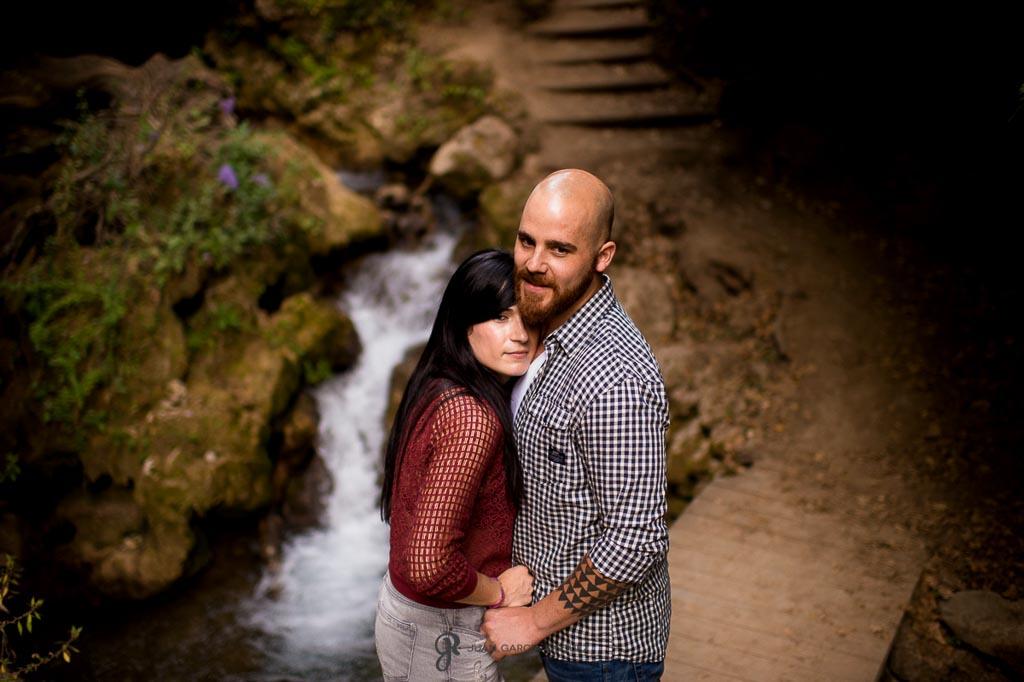 reportaje de fotos para preboda en Valdepeñas Jaen abrazo