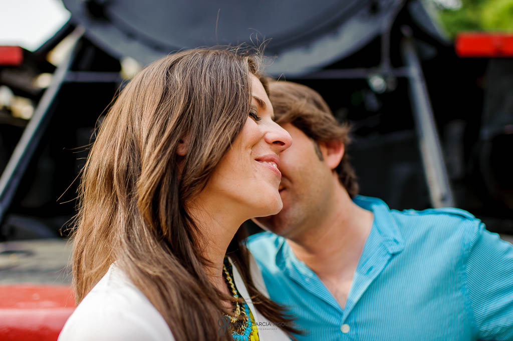 reportaje de fotos romanticas para parejas al aire libre