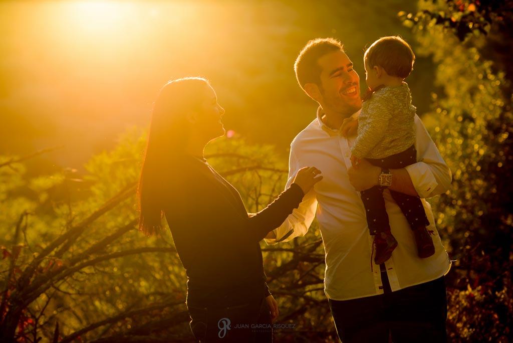 reportaje de fotos divertidas en familia para recuerdo