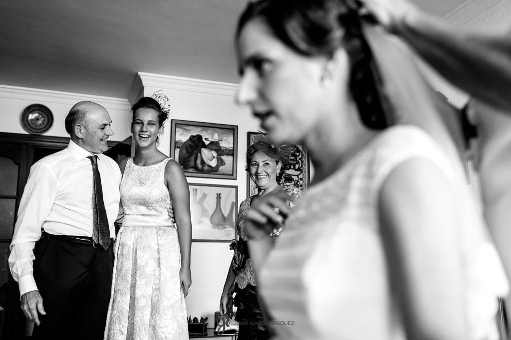 fotos de acompañantes de la novia antes de la boda