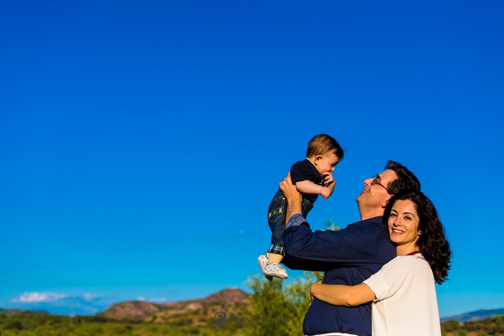 Fotografías de familia durante una sesión fotográfica