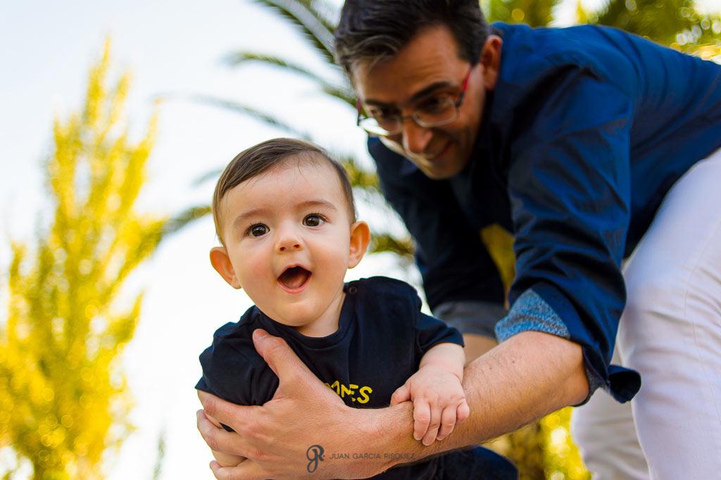 Fotografías locas de bebés y sus padres