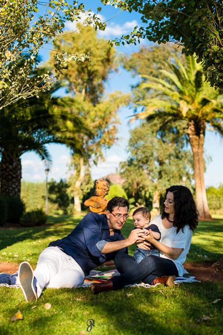 Fotografías de una familia de picnic en el campo