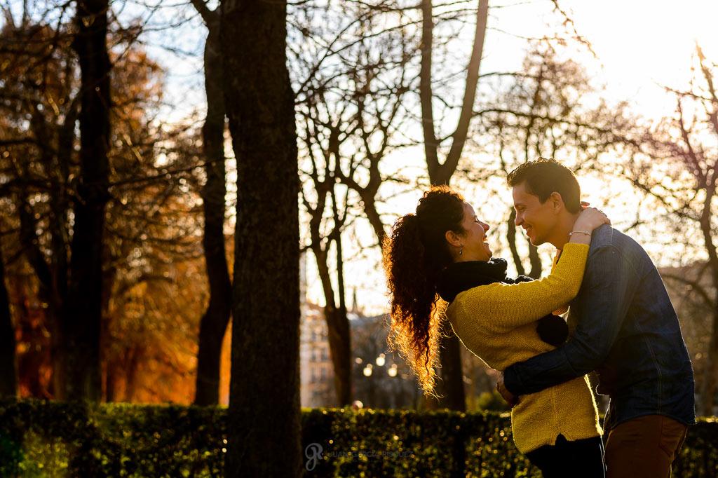 Fotografías de preboda en el parque del retiro Madrid