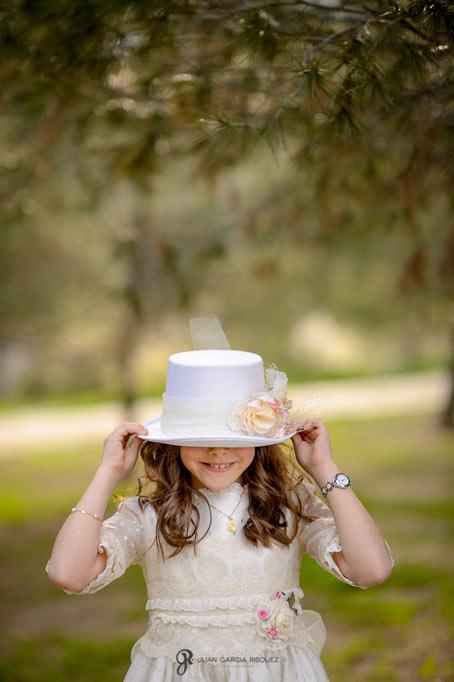 Fotos de niñas disfrutando en su primera comunión