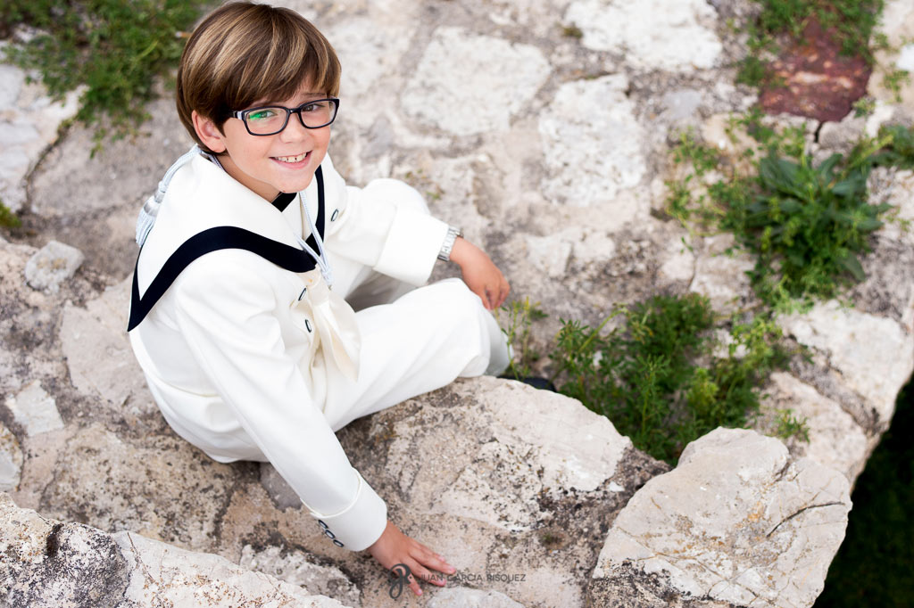 reportajes de primera comunión donde los niños disfrutan
