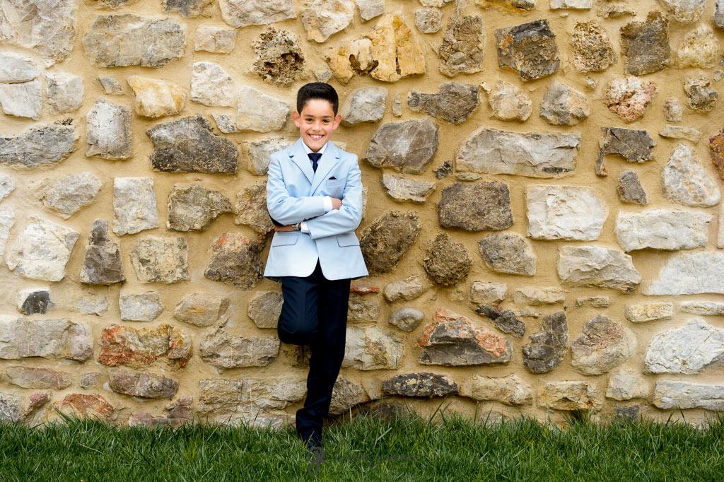 Reportaje de primera comunión de niños con traje