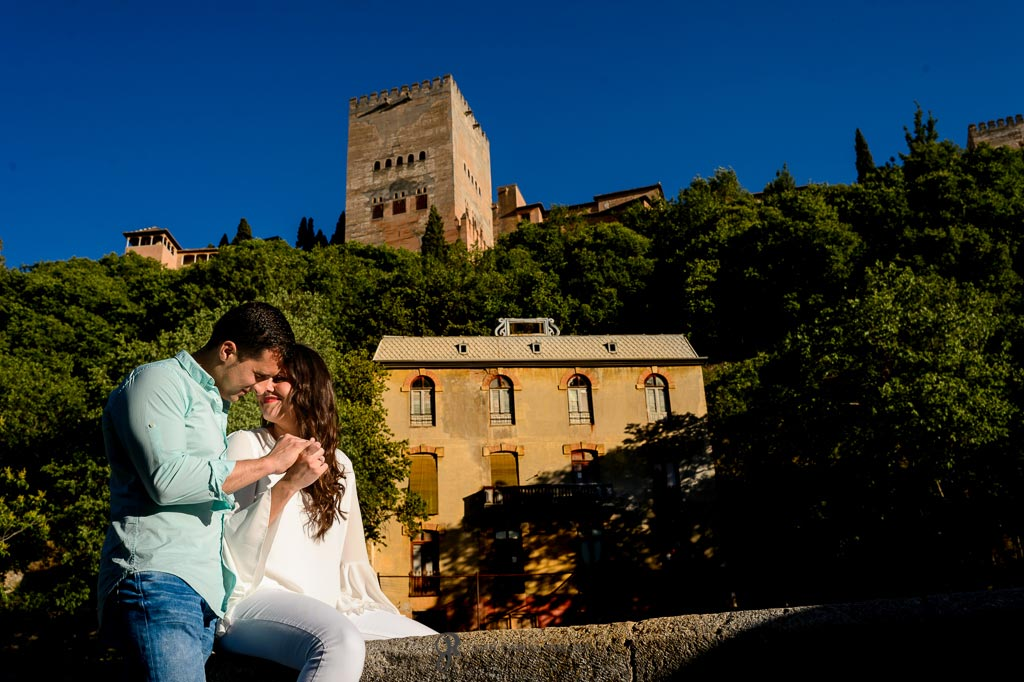 Fotos de parejas en Granada donde una vez se pidieron compromiso