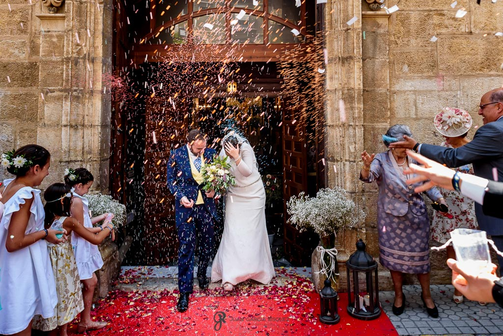 Fotos de una salida de novios de su boda en Jaén