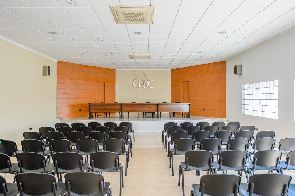 Fotos de la sala de juntas de una empresa en Jaén