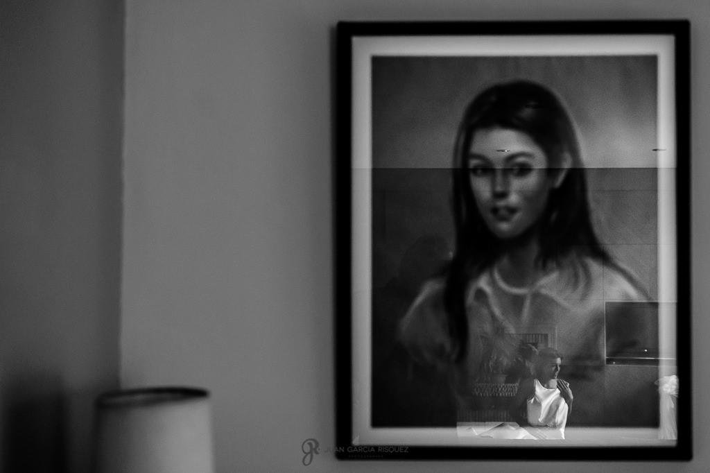 Retrato de una novia reflejado en un cuadro suyo cuando era joven