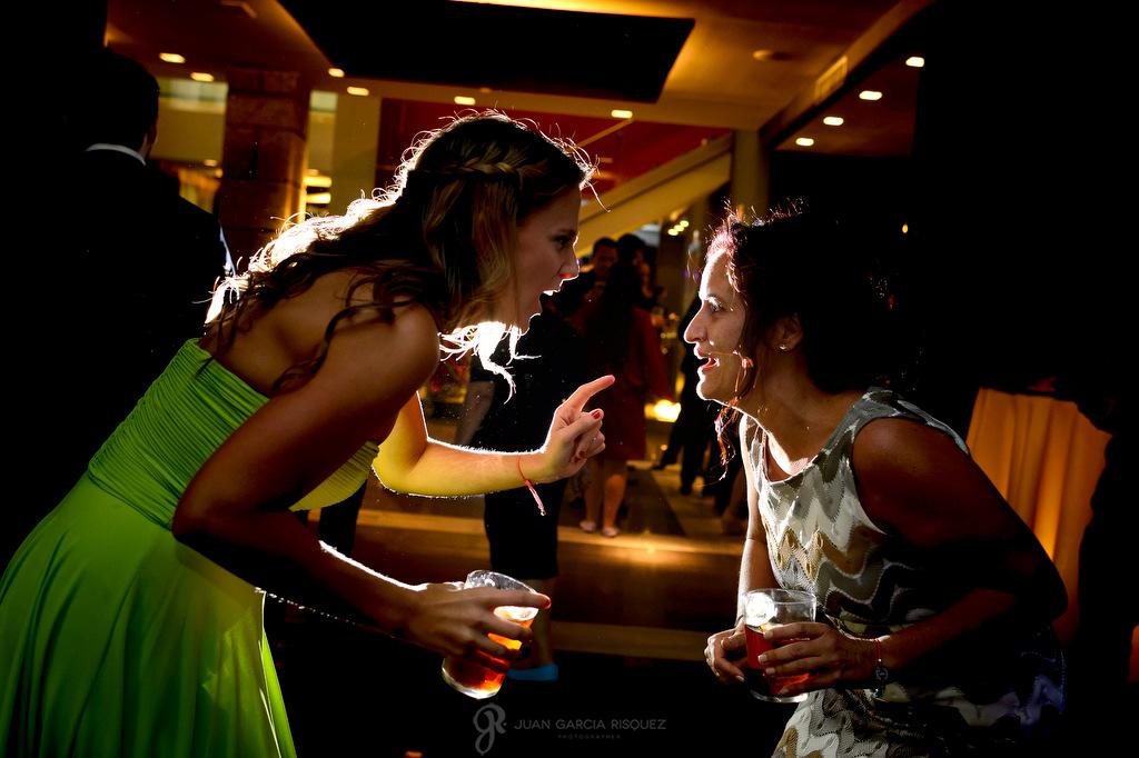 Fotografía de una novia disfrutando en si boda en la Finca Fuentepizarro de Madrid