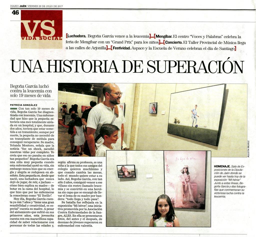 Recorte del diario Jaén donde aparece Carlos junto al fotógrafo del proyecto