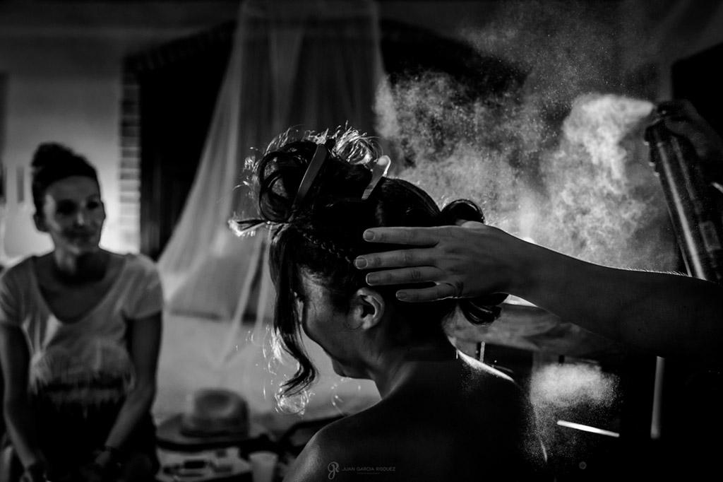 Reportaje de fotos de boda en Jaen peinado de la novia