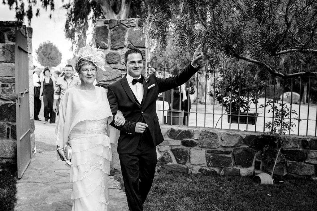 Reportaje de fotos de boda en Jaen novia con madrina