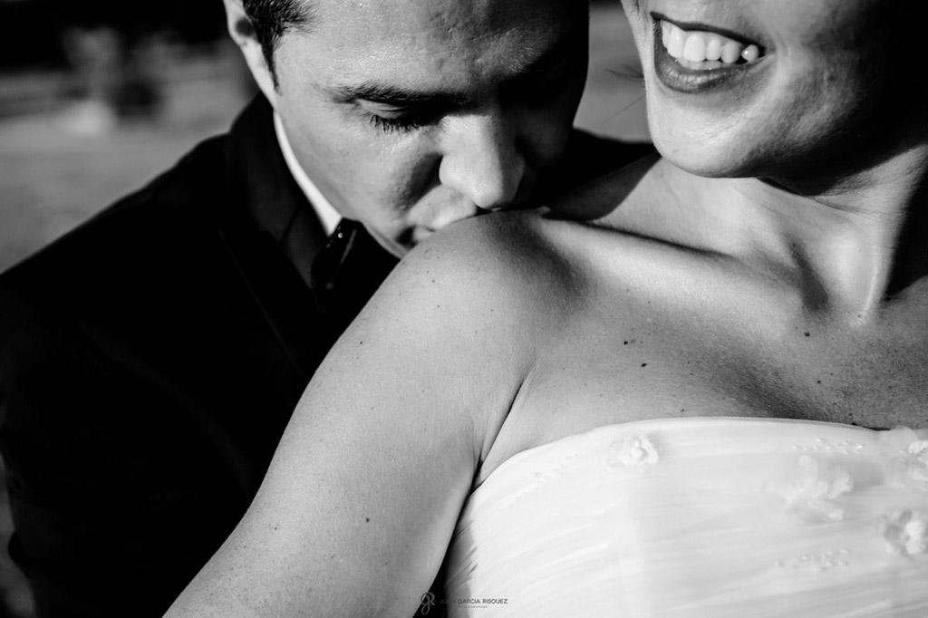 Reportaje de fotos de boda en Jaen Linares beso