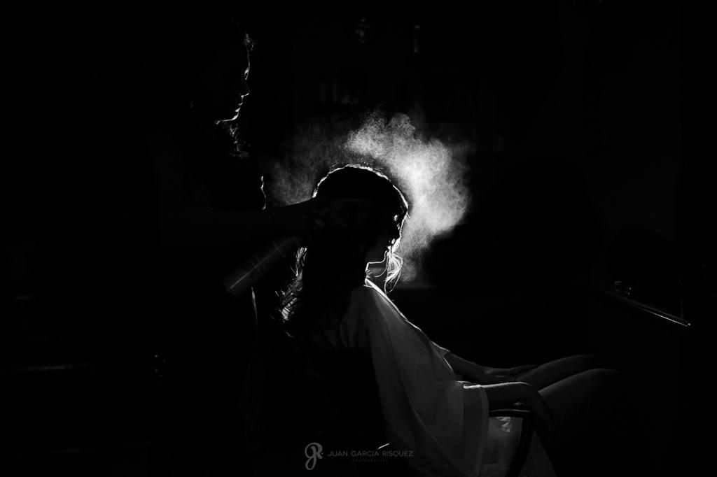Reportaje de fotos de boda en Martos Jaen peinan a la novia