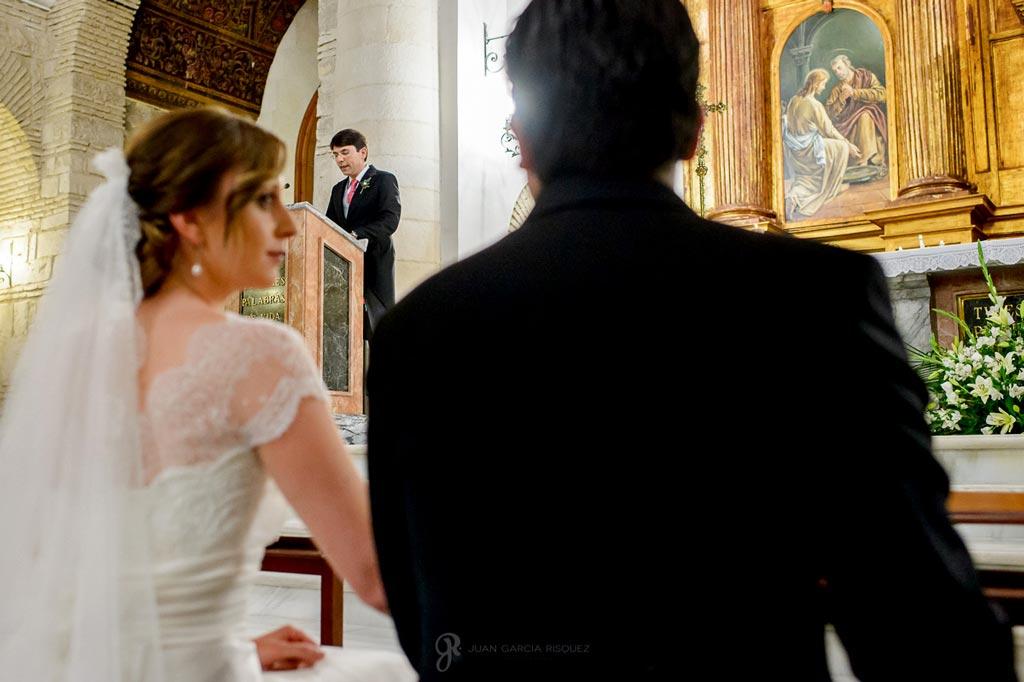 Reportaje de fotos de boda en Martos Jaen misa y novios