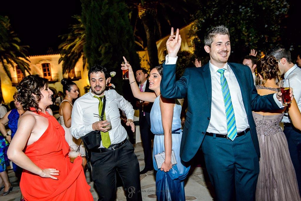 Reportaje de fotos de boda en Martos Jaen fiesta invitados